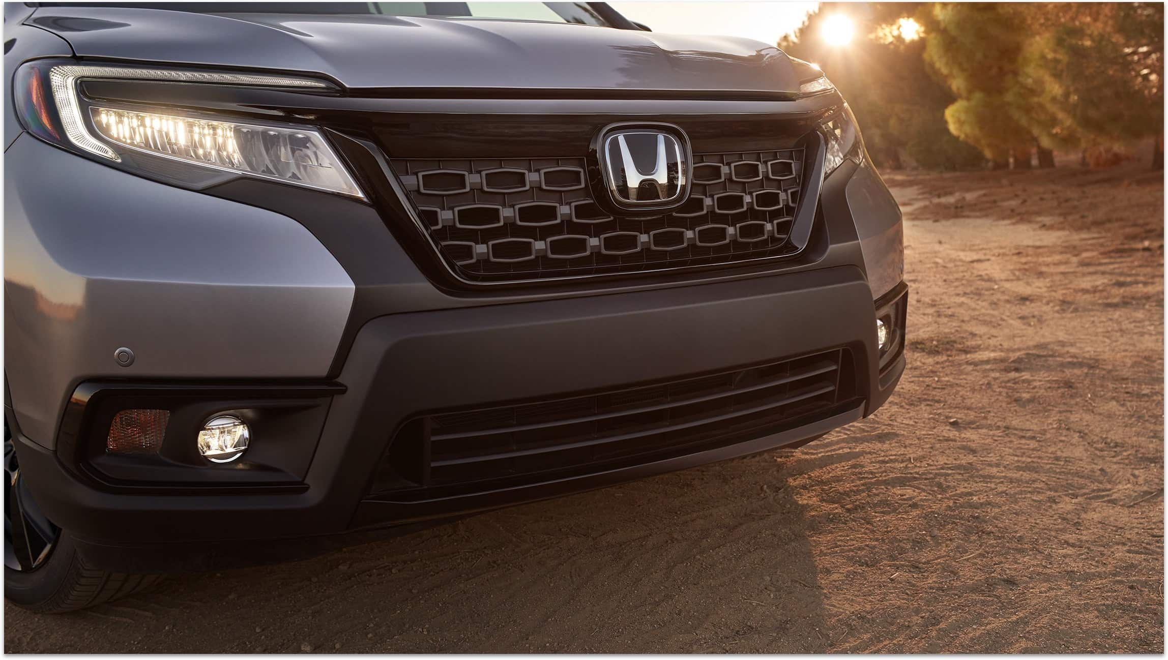 Grille detail on the 2019 Honda Passport Elite in Lunar Silver Metallic.